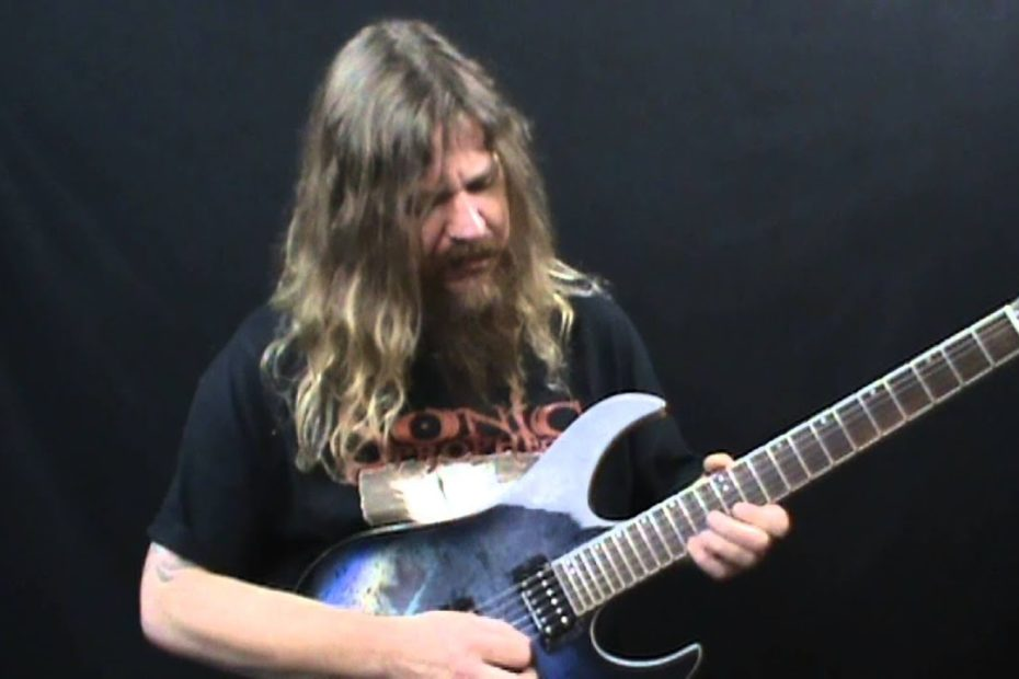 Easy 3 Strings Sweep Picking Lick in E Minor - Lead Guitar Lesson on Sweep Picking Licks