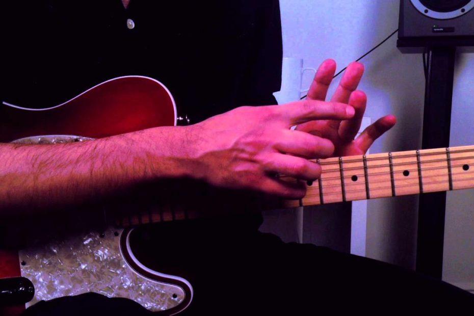 How to Embellish a Funk Chord Progression - Rhythm Guitar Lesson on Funk Chords