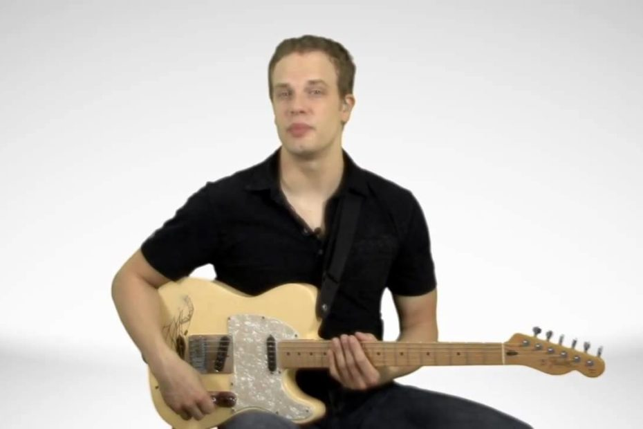 How To Tell What Guitar Chords Are In A Key - Guitar Lesson